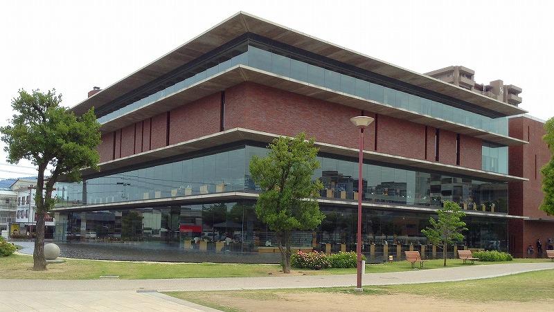 福山市中央図書館納入事例
